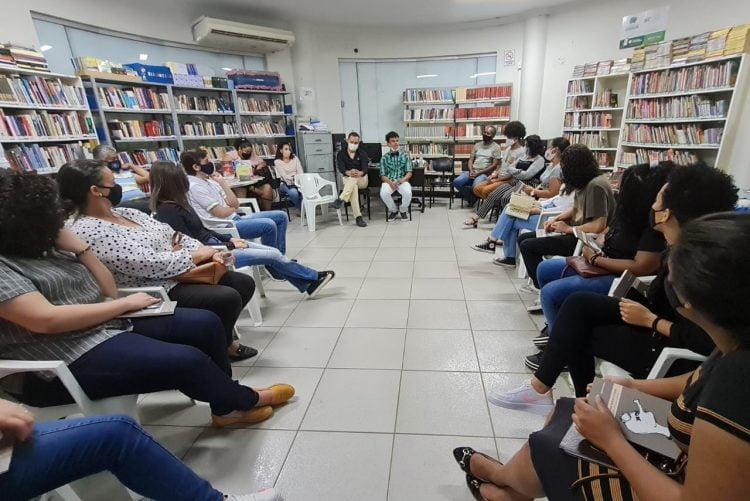 Clube do Livro biblioteca cultura